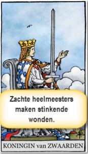 tarotkaart koningin zwaarden geeft de aftrap voor het motto spel